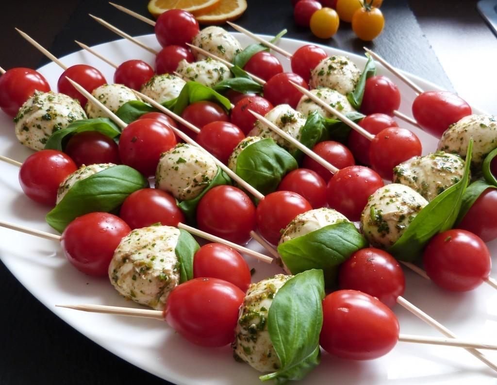 Mozzarella-Tomaten-Spieße