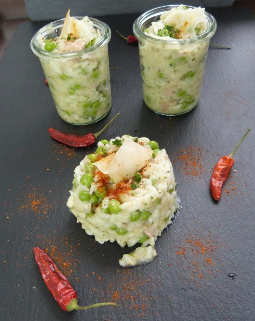 Tassen-Risotto mit Thunfisch und Erbsen