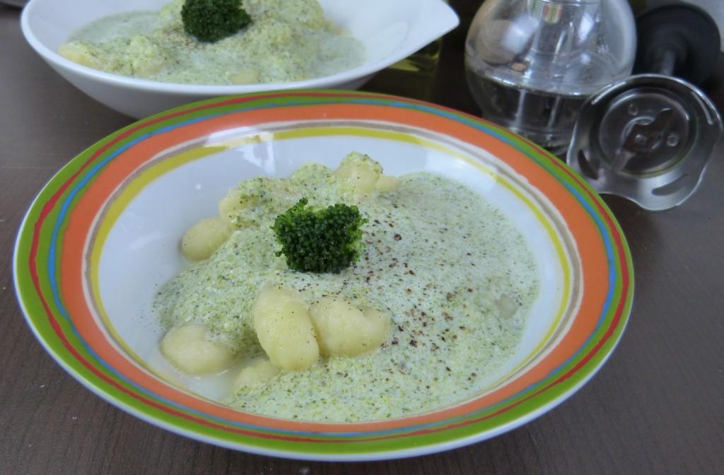 Gnocchi mit Broccolisauce