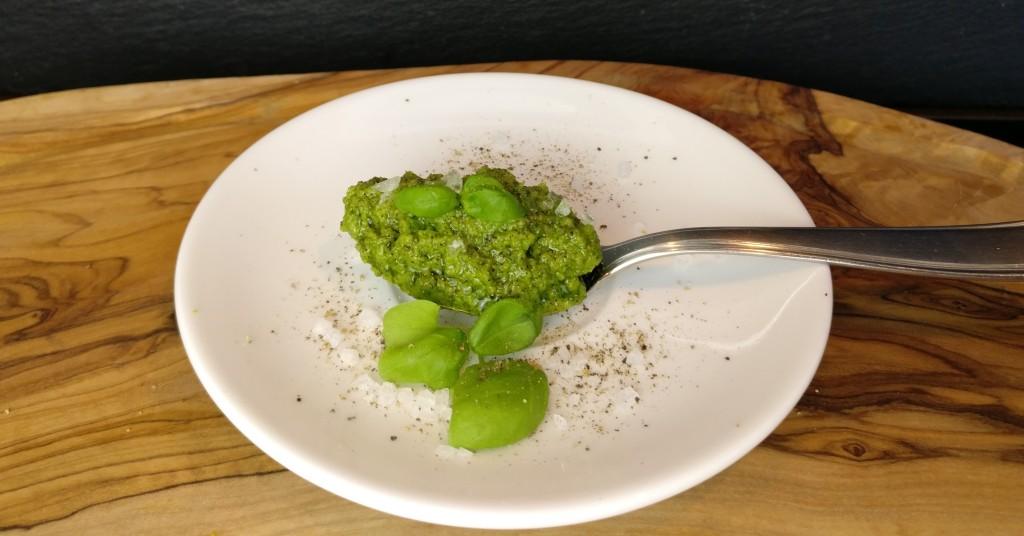 Pesto mit Spinat und Romanesco
